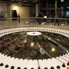 Centro delle Scienze KOPERNIK è un'istituzione modernissima per la promozione della passione per le scienze, prima di tutto tra i giovani.