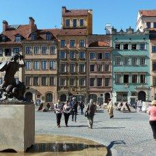 Il centro storico di Varsavia fu meticolosamente ricostruito dopo la guerra.