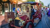 Main Street Vehicles 1 - Car on Main Street