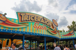 Triceratop Spin - Animal Kingdom Attraction