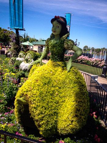 Snow White Topiari - Epcot-Flower-and-Garden-Festival
