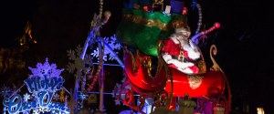 Santa Claus in the Parade - Mickey's Very Merry Christmas Party