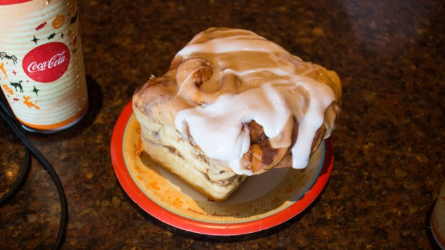 Colossal Cinnamon Roll - Best Disney World Desserts