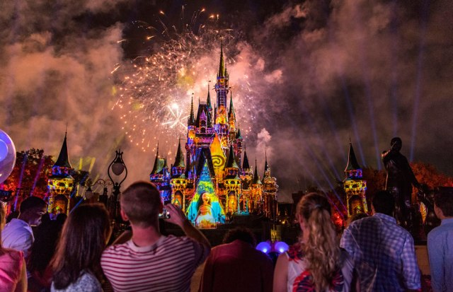 Happily Ever After - Moana - Disney World Fireworks