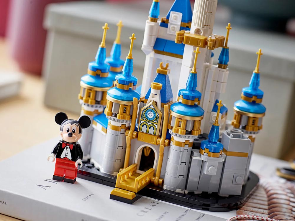 LEGO unveils Mini Disney Castle for WDW 50th, available October 1