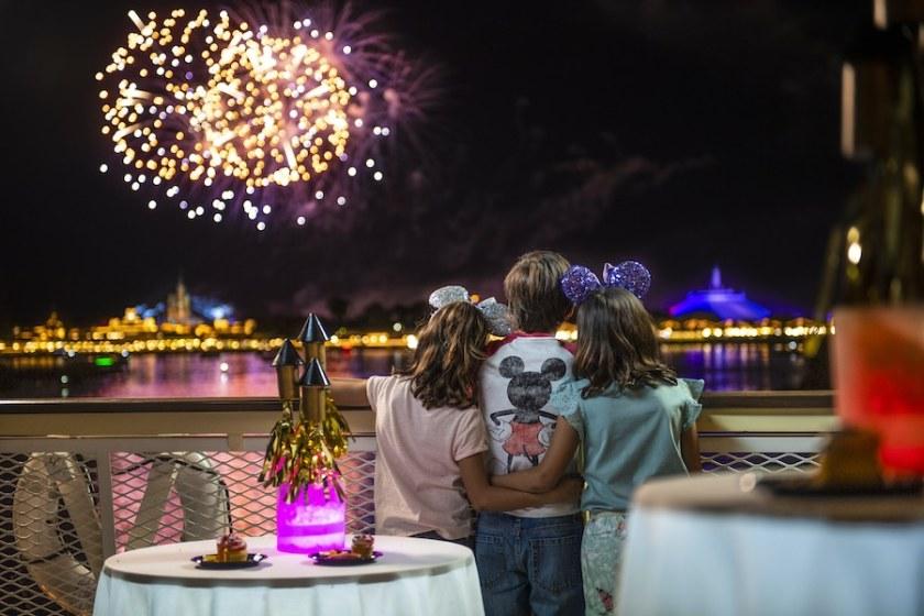 Disney World - Ferry Fireworks Dessert Cruise
