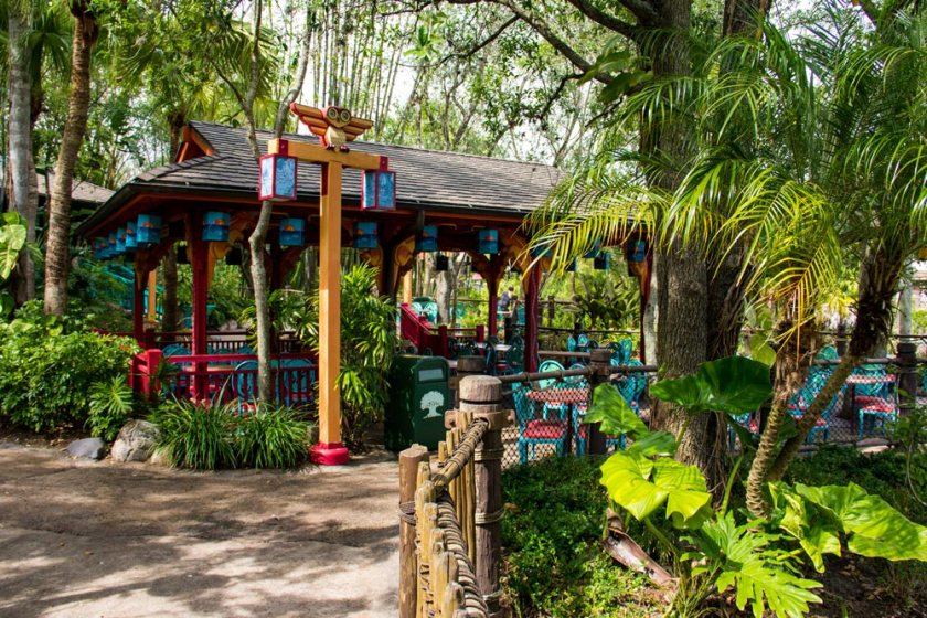 Flame Tree Barbecue - Outdoor Dining Area - Animal Kingdom Dining