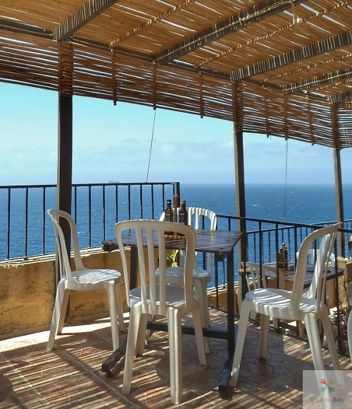restaurent blue grotto malte vue mer