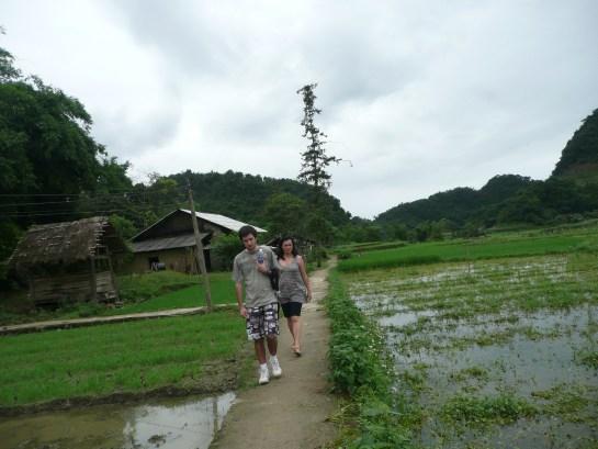 Balade dans le village de l'ethnie BO Y