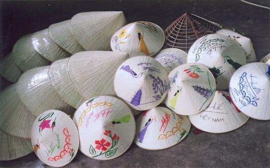 chapeau conique de hue 1