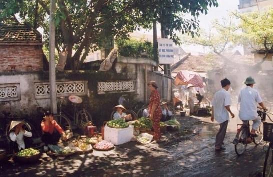 ville de hanoi village ceramique bat trang.jpg