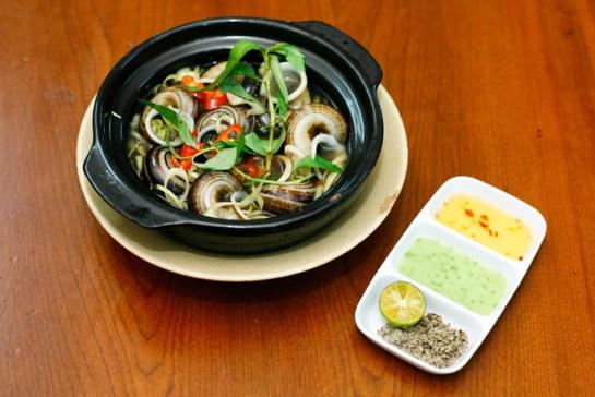 plat typique ninh binh vietnam escargot.jpg