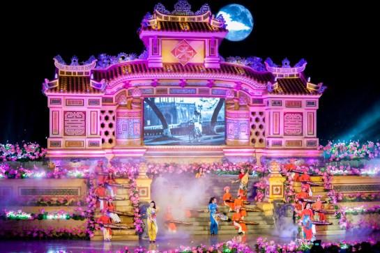 festival hue spectacle.jpg