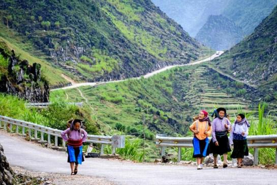 beaux plateaux vietnam dong van ethnies.jpg