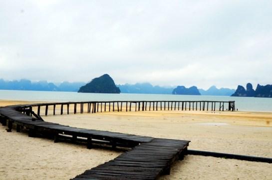 plage à la baie d'halong 2