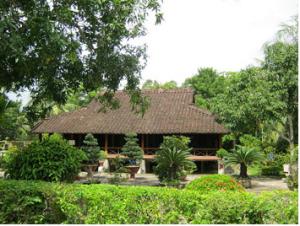 L'îlot de Ong Ho et la maison du Président Ton Duc Thang