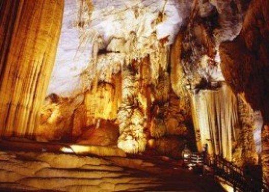 La grotte Thiên Duong à Quang Binh