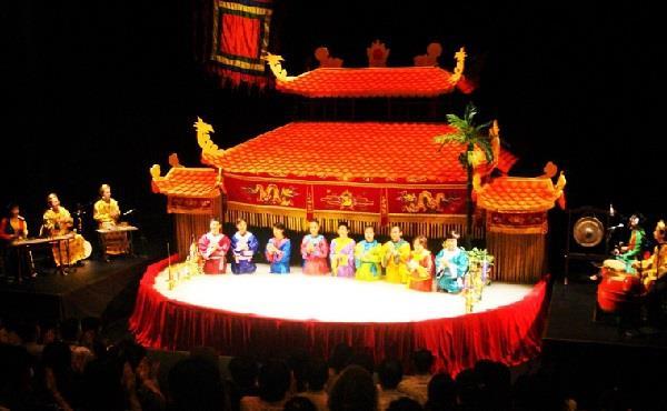 Le théâtre des marionnettes sur l'eau Thang Long