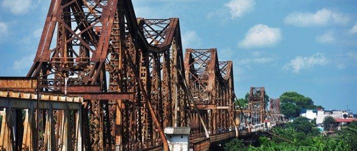 pont long bien - fierte de Hanoi