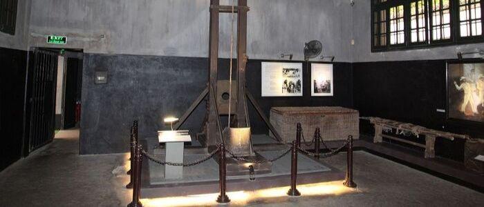 Guillotine - Prison Hoa Lo