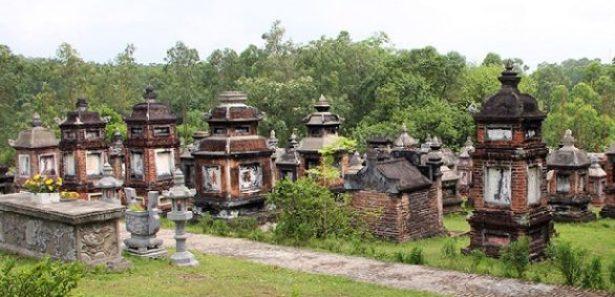 Tombeaux mystérieux à Bac Giang