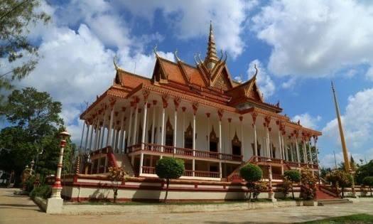 Temple de Wat Sor Sor Muy Roi ou temple des Cent Colonnes