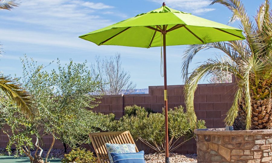 Throwing Shade  Find the Right Patio Umbrella   Overstock com Patio Umbrella Buying Guide