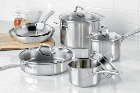 Tips on Buying Stainless Cookware Sets   Overstock com stainless steel cookware set