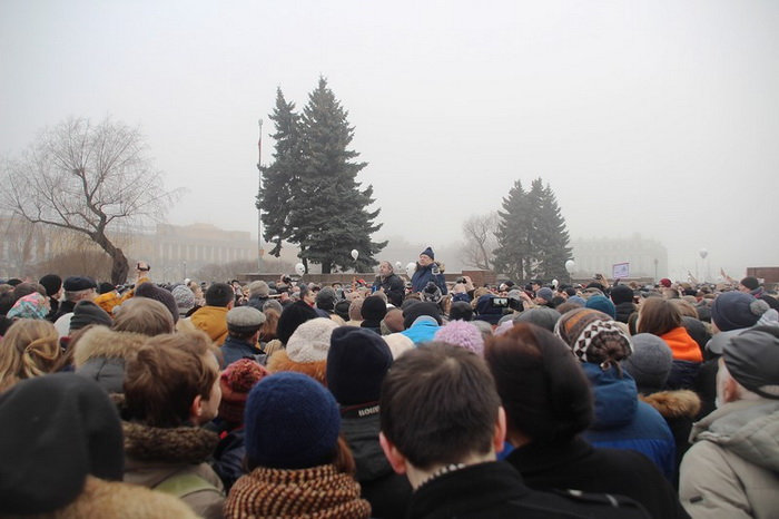 Protesters occupied the St. Isaac`s Cathedral in St. Petersburg