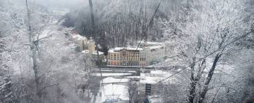 Ski resorts in Russia with early snow