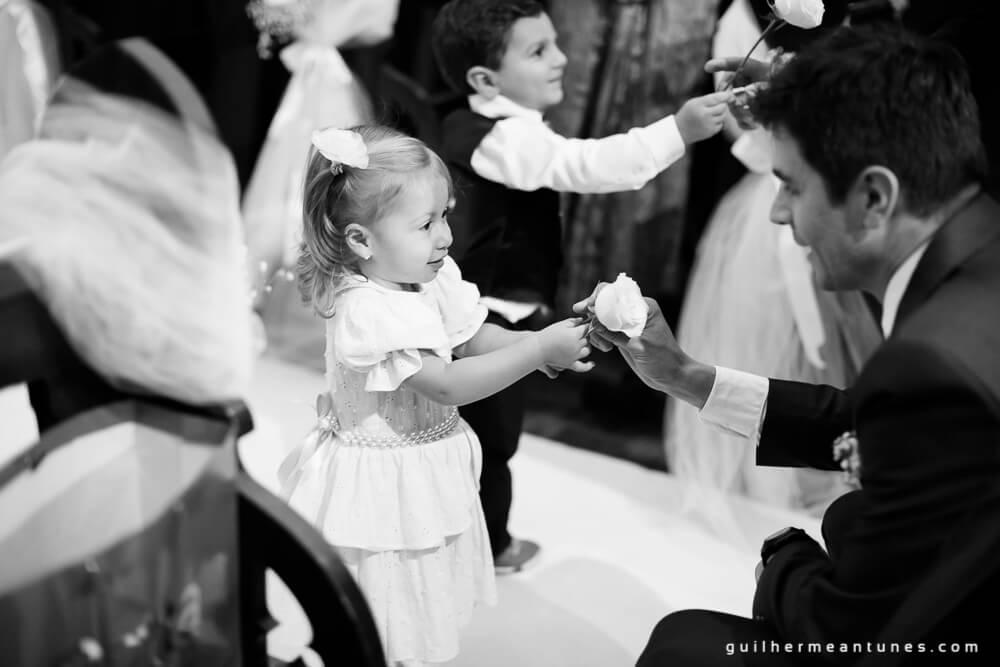 Fernanda e Charles: Fotografia de casamento em Lages (Crianças e flores)