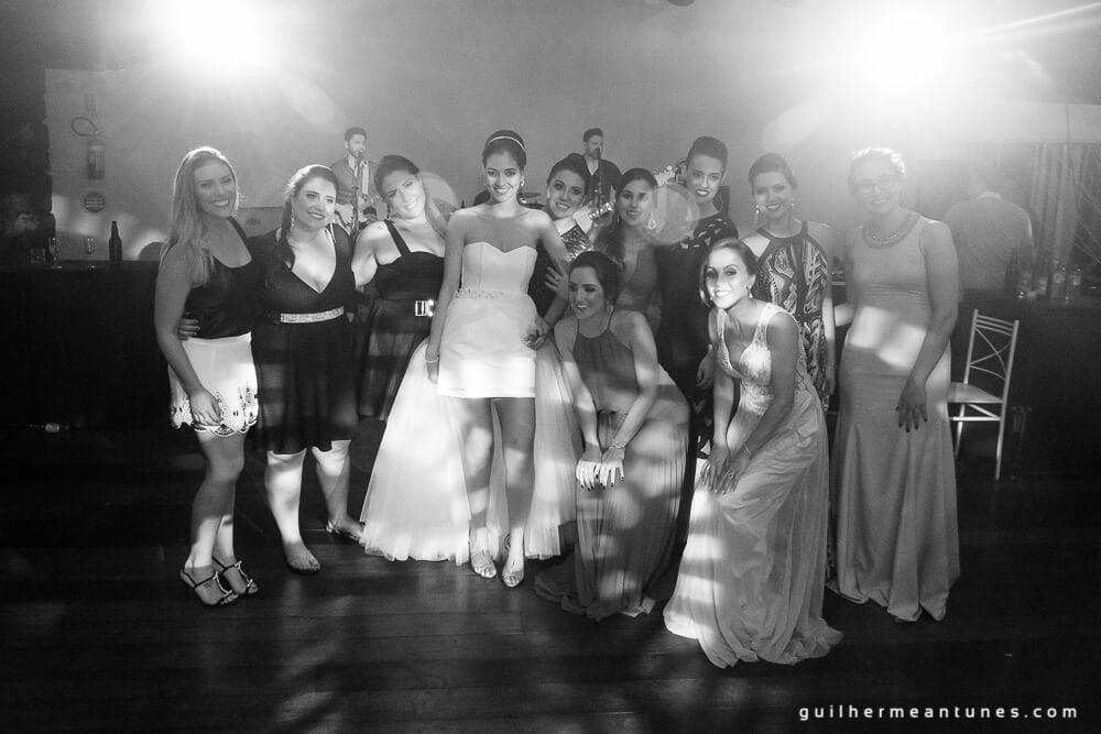 Fernanda e Charles: Fotografia de casamento em Lages (As amigas)