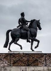 Paris autrement - le Cavalier aux cadenas