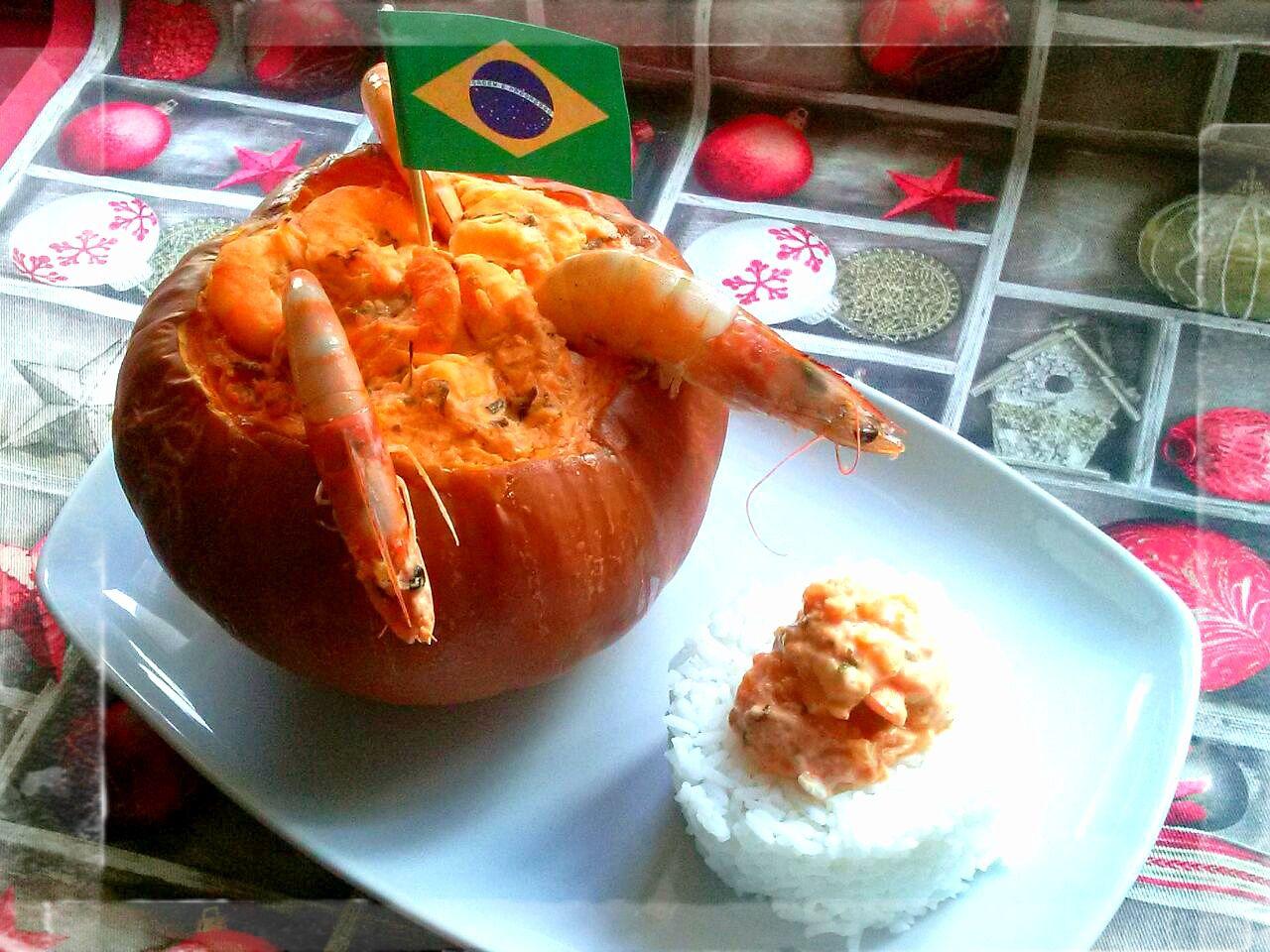 Calabaza rellena de langostinos, receta de Brasil