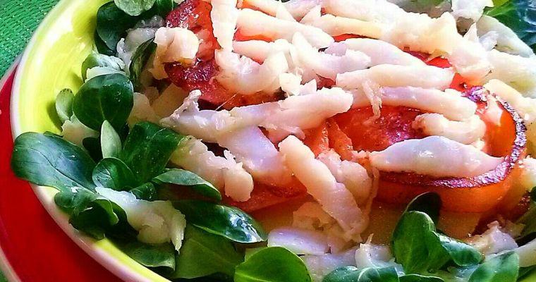 Ensalada de bacalao con tomate y patata