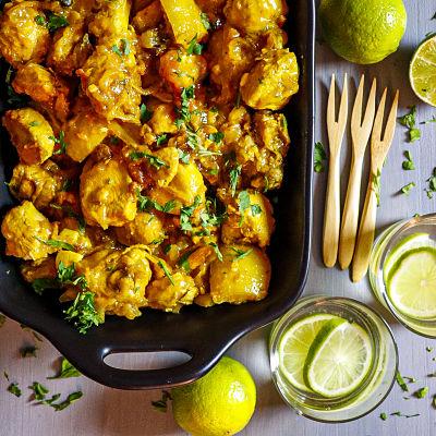 Pollo estofado asiático con limones encurtidos