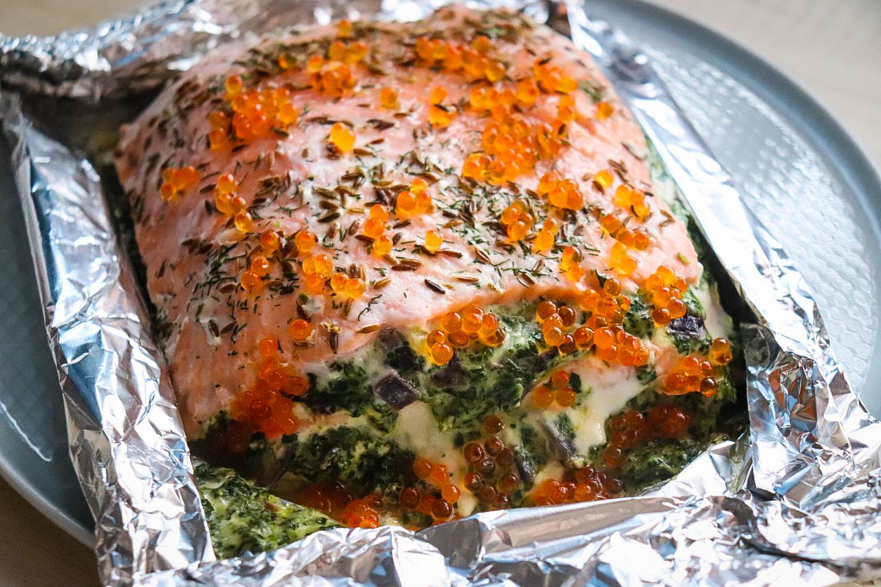 Milhojas de salmón y espinacas con queso