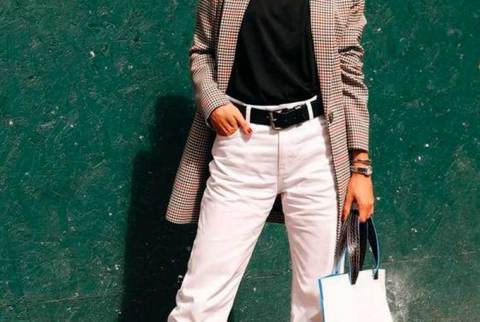 Cinto preto + calça branca: o duo prático e nada óbvio