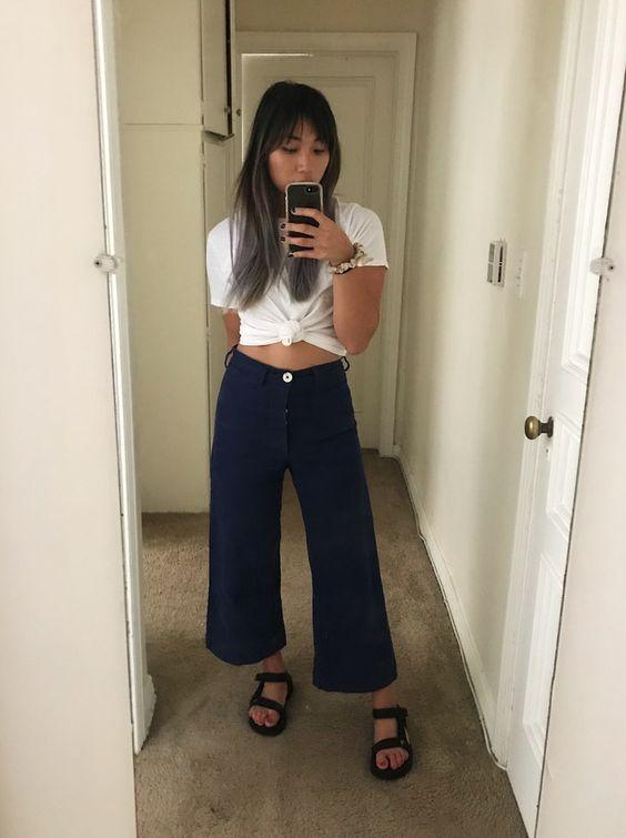 blusa branca com nozinho, pantacourt, papete preta