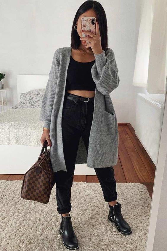 casaco, maxi cardigan cinza, cropped preto, mom jeans preta, coturno