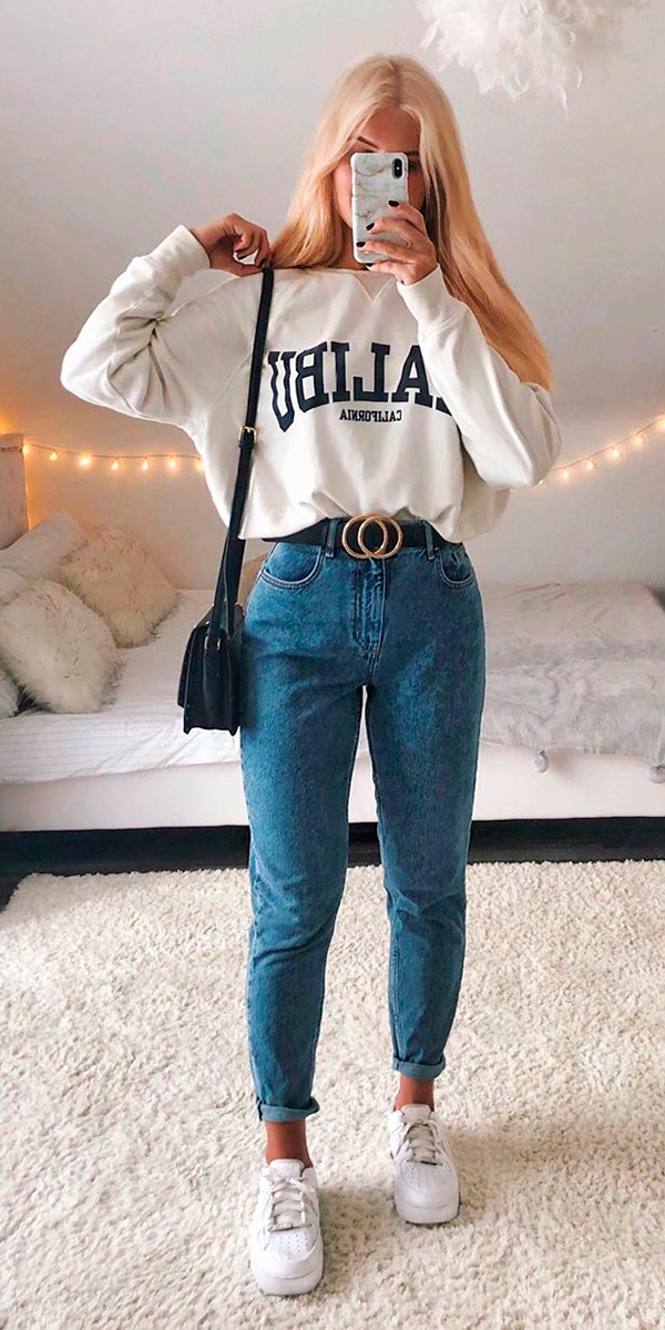 looks práticos, moletom branco, mom jeans e tênis branco