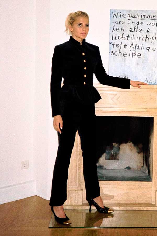 conjuntinho, casaco vitoriano e calça de alfaiataria