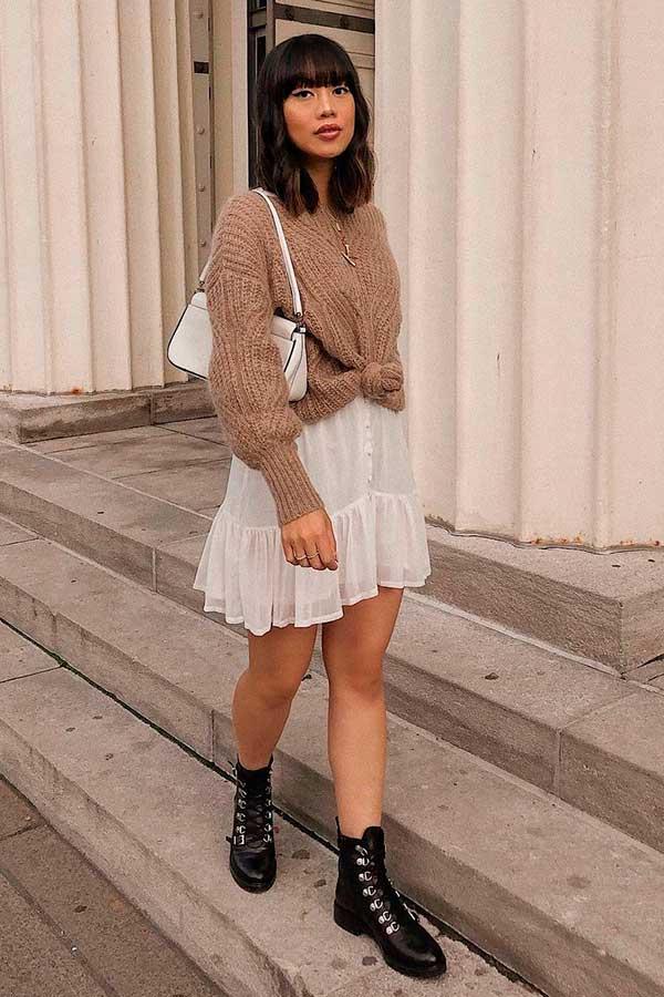 sobreposição com suéter e verstido, coturno preto