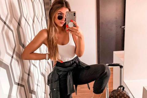 Básica e cool: como valorizar o look com regatinha
