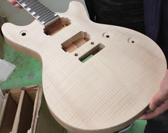 ギターのボディ材