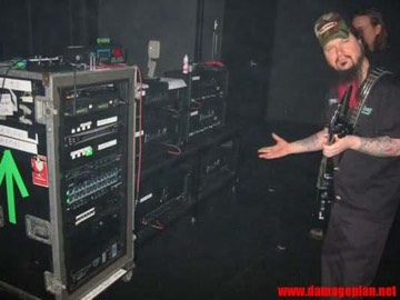 Dimebag Darrell of Pantera Guitar Rig and Equipment - Guitar-Rigs com