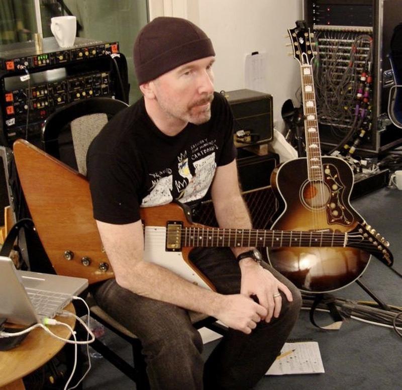 Guitar-Rigs.com U2 The Edge in Studio with Gibson Explorer