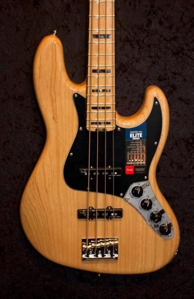 E-Bass im American Guitar Shop 7