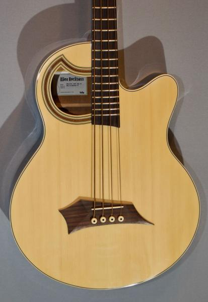 E-Bass im American Guitar Shop 1212