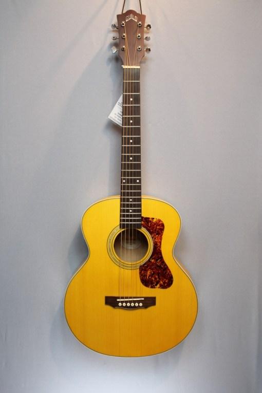 Guild Jumbo Junior Ahorn Western-Gitarre 4